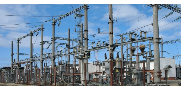 Circuit breakers for the protection of railway traction substations